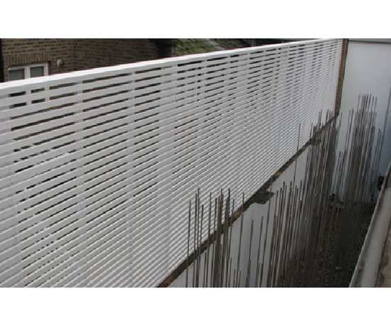 anewgarden slated-timber-panel-chelsea-decking.jpg