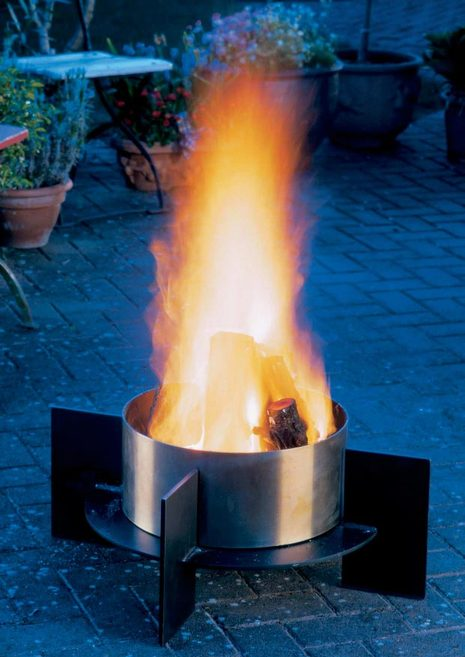 fera-outdoor-fire-anewgarden.jpg