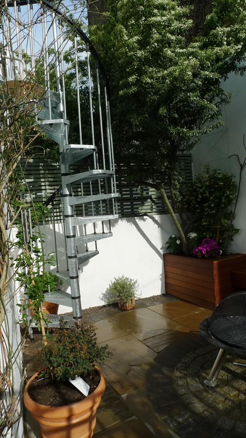 spiral-staircase-kit-london.JPG