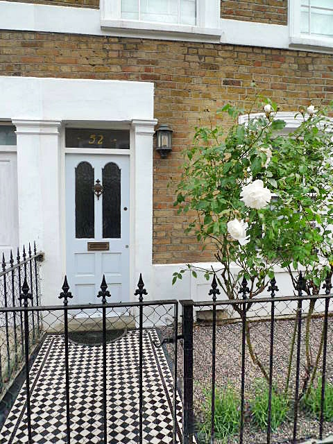 Victorian black and white mosaic tile london london for Victorian terraced house garden design