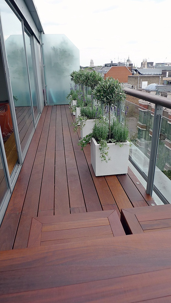 planters-ipe-decking-balcony-london.JPG