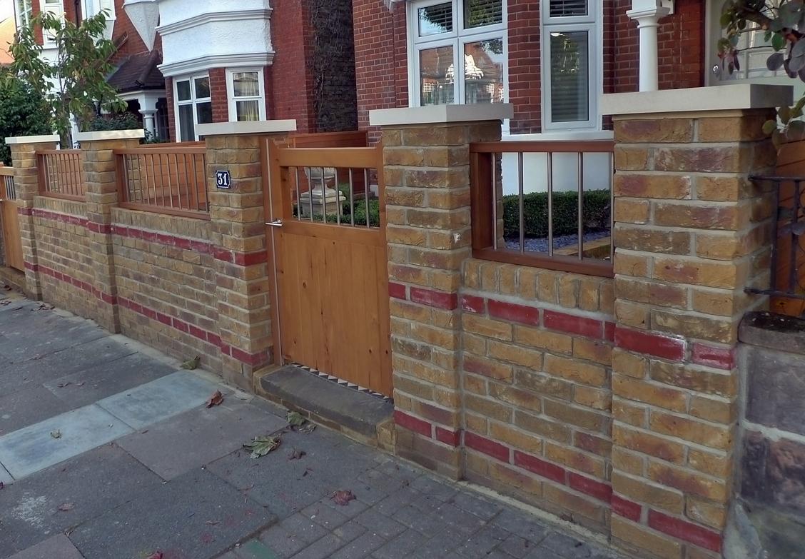 Brick wall london garden blog for Brick wall garden designs