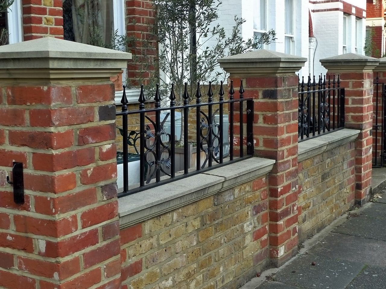 Fence Brick Wall Design : London garden wall