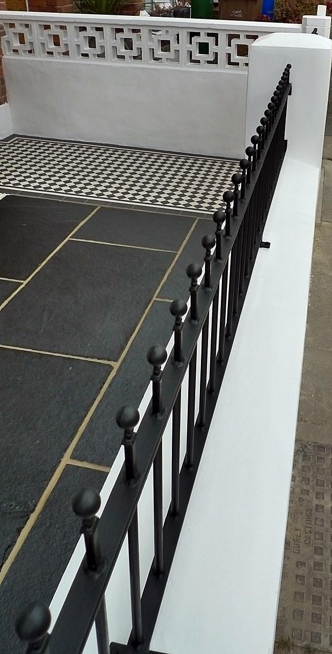 metal-rails.JPG