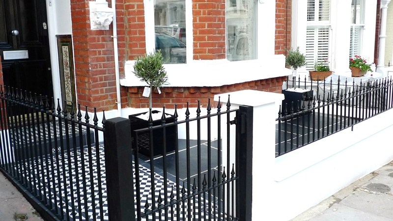 black-and-white-tile-front-path-clapham-dulwich-islington-chelsea-london.JPG