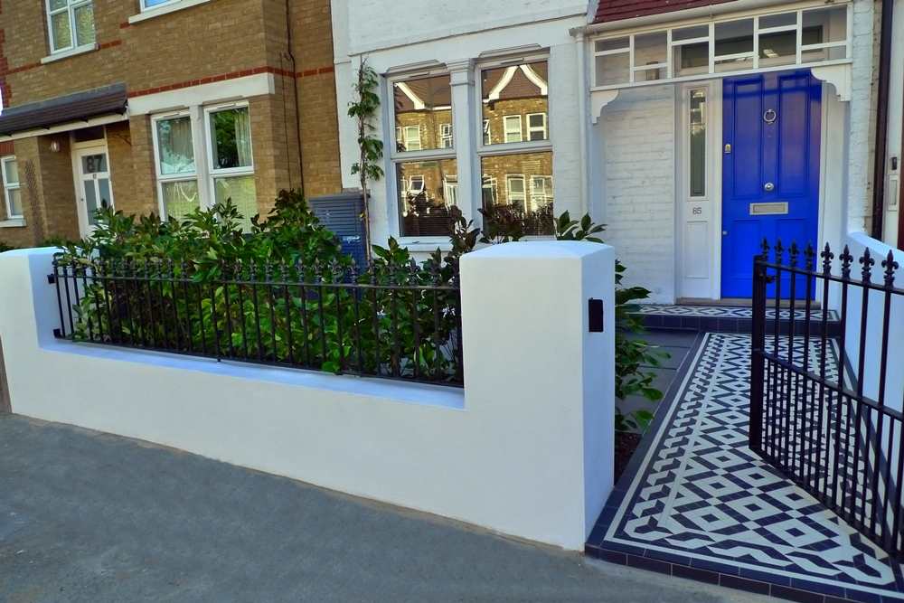 garden wall metal rails and gates modern mosaic - Front Garden Ideas London