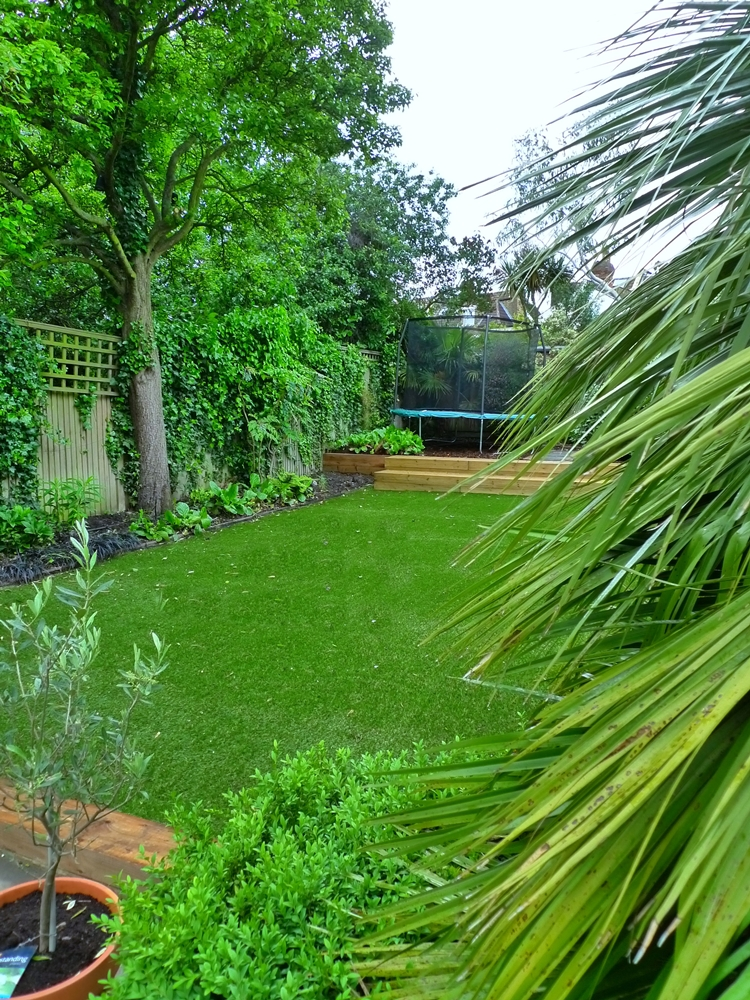 artificial-easy-grass-turf-chelsea-clapham-balham-london.JPG
