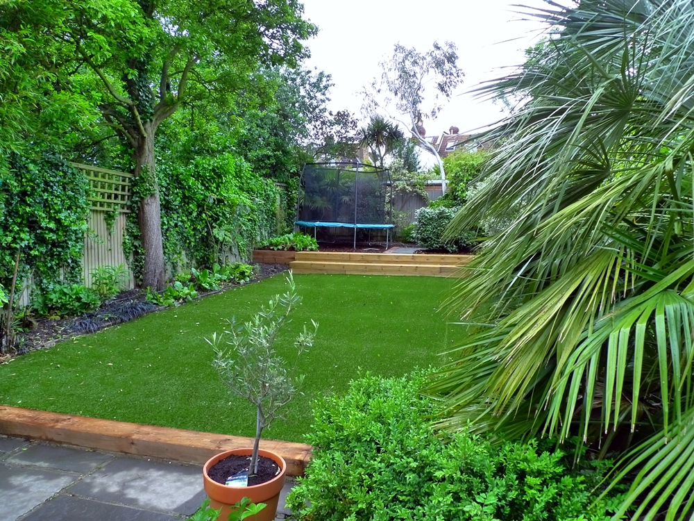 artificial-grass-installer-and-installation-london.JPG