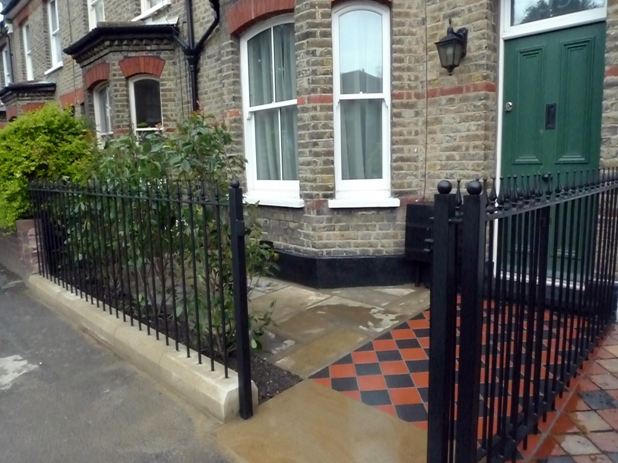 cast-iron-stone-set-rails-gate-yorkstone-quarry-tiles-london.JPG