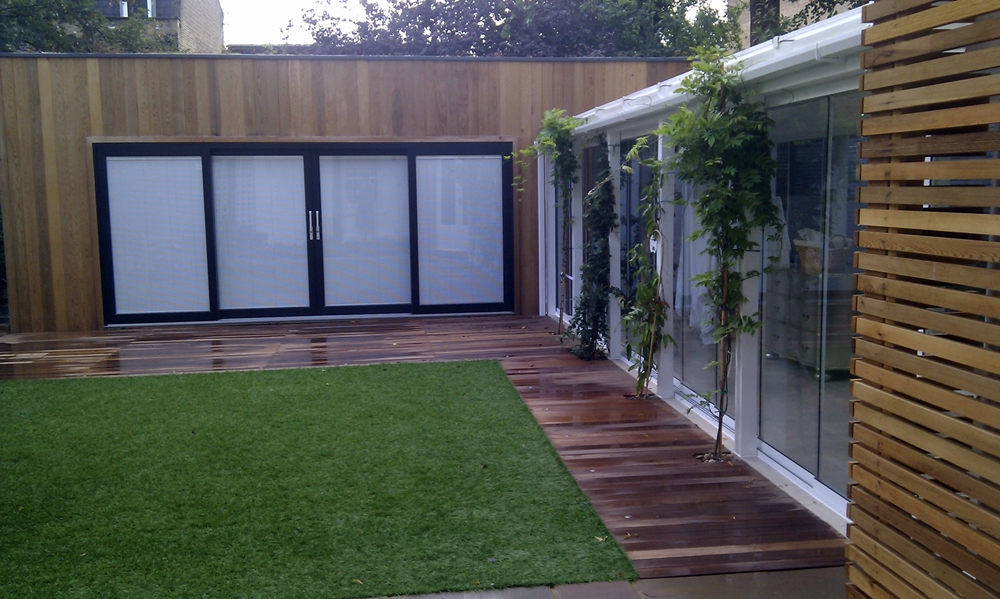 London easy grass lawn turf london garden blog for Garden decking and grass