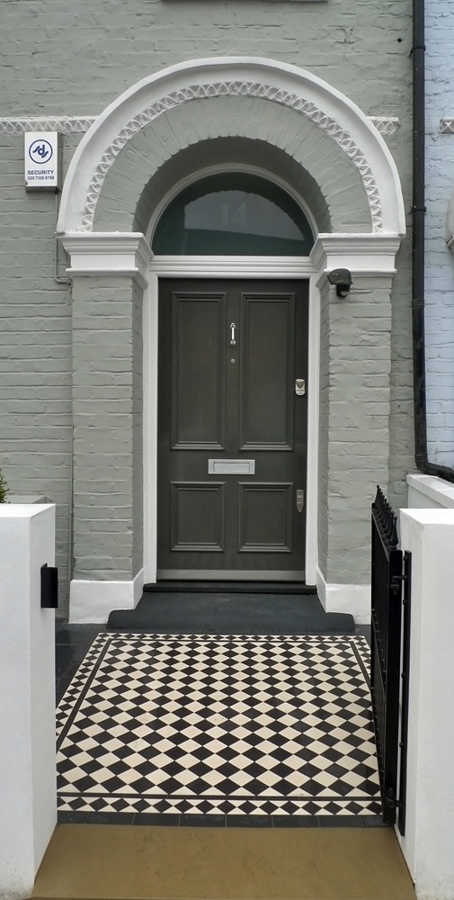 black-and-white-victorian-mosaic-tile-path-with-metal-gate-slate-tiles-and-yorkstone.JPG