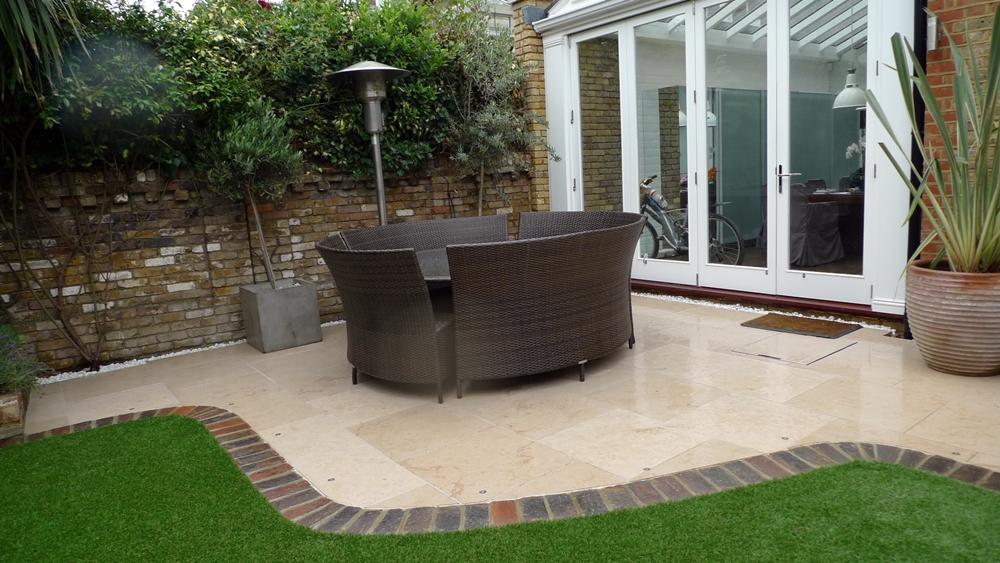 curved-patio-paving-limestone-paving-brick-edge-clapham-london.JPG