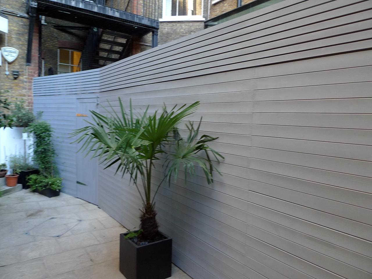 ultra-clean-line-boundary-fence-london.JPG
