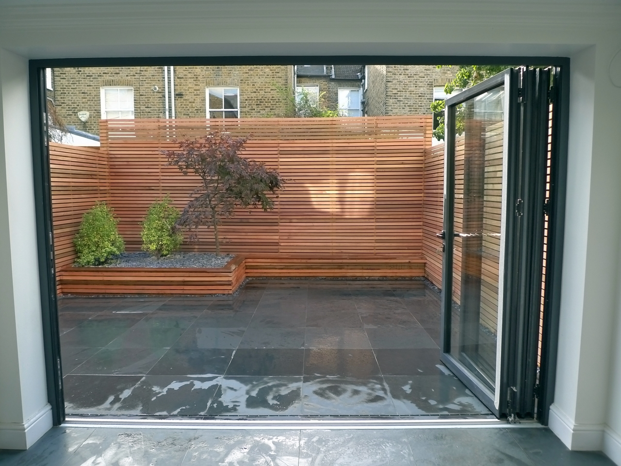Modern garden design archives london garden blog for Wooden garden screen designs