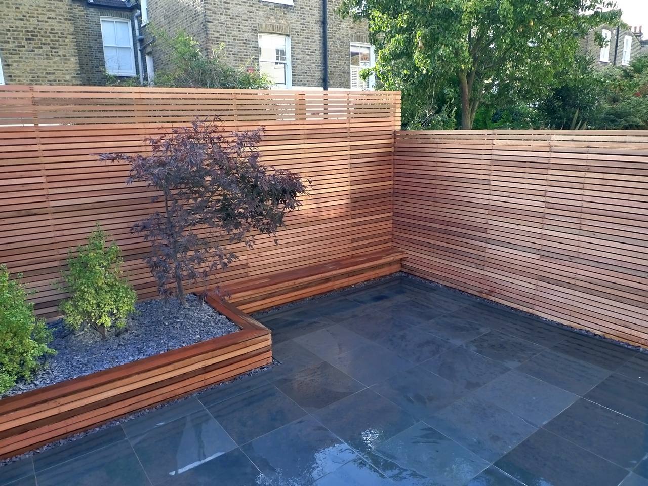 Modern garden design london garden blog for Wood patio privacy screens