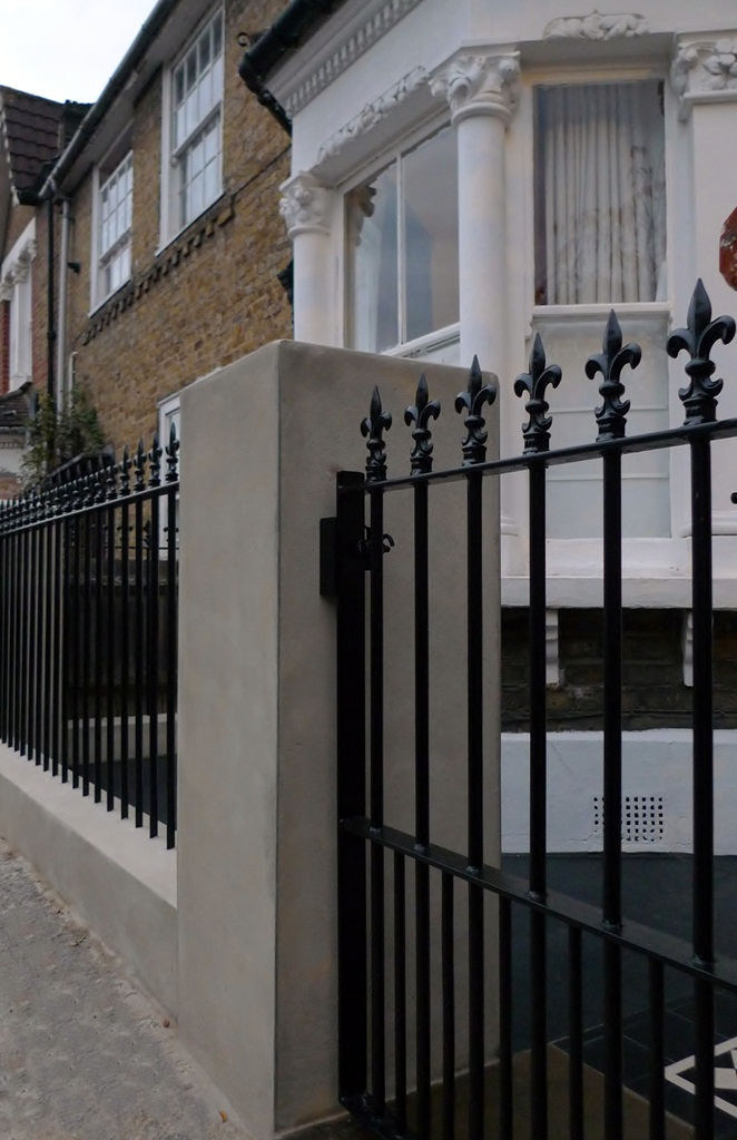 bespoke-heavy-meatl-rail-and-gate-with-new-walls-london.JPG