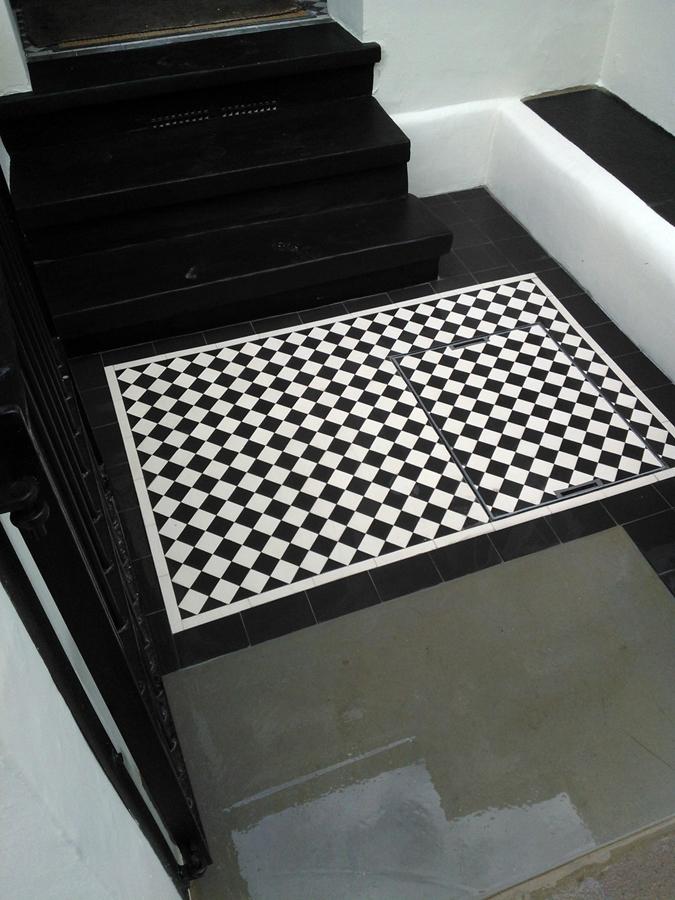 balck and white victorian tile front path clapham london