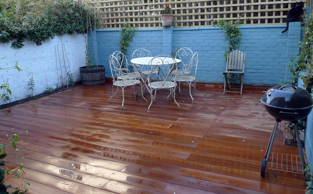 hardwood decking courtyard garden deck installers London
