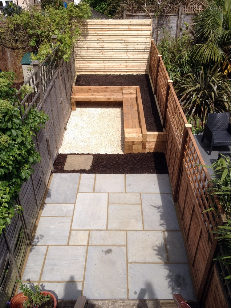 Small garden design balham london london garden blog for Tiny garden design