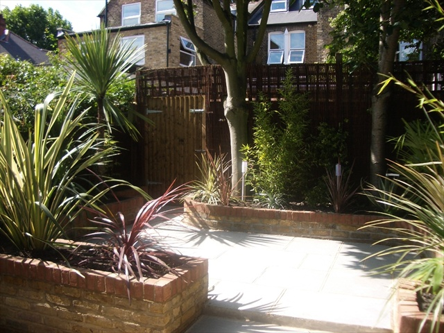 London Garden Paving patio tile design ideas (91)