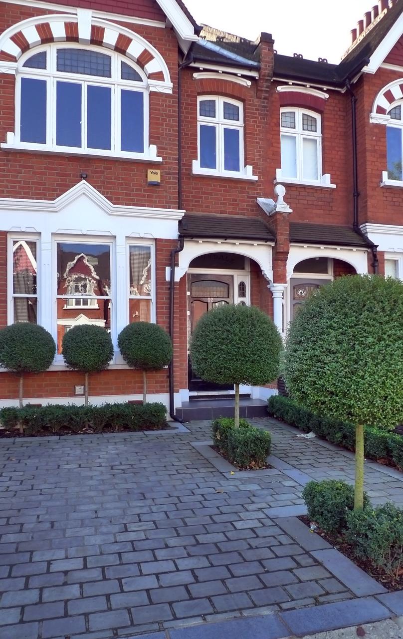 Driveway london garden blog for House garden driveway designs