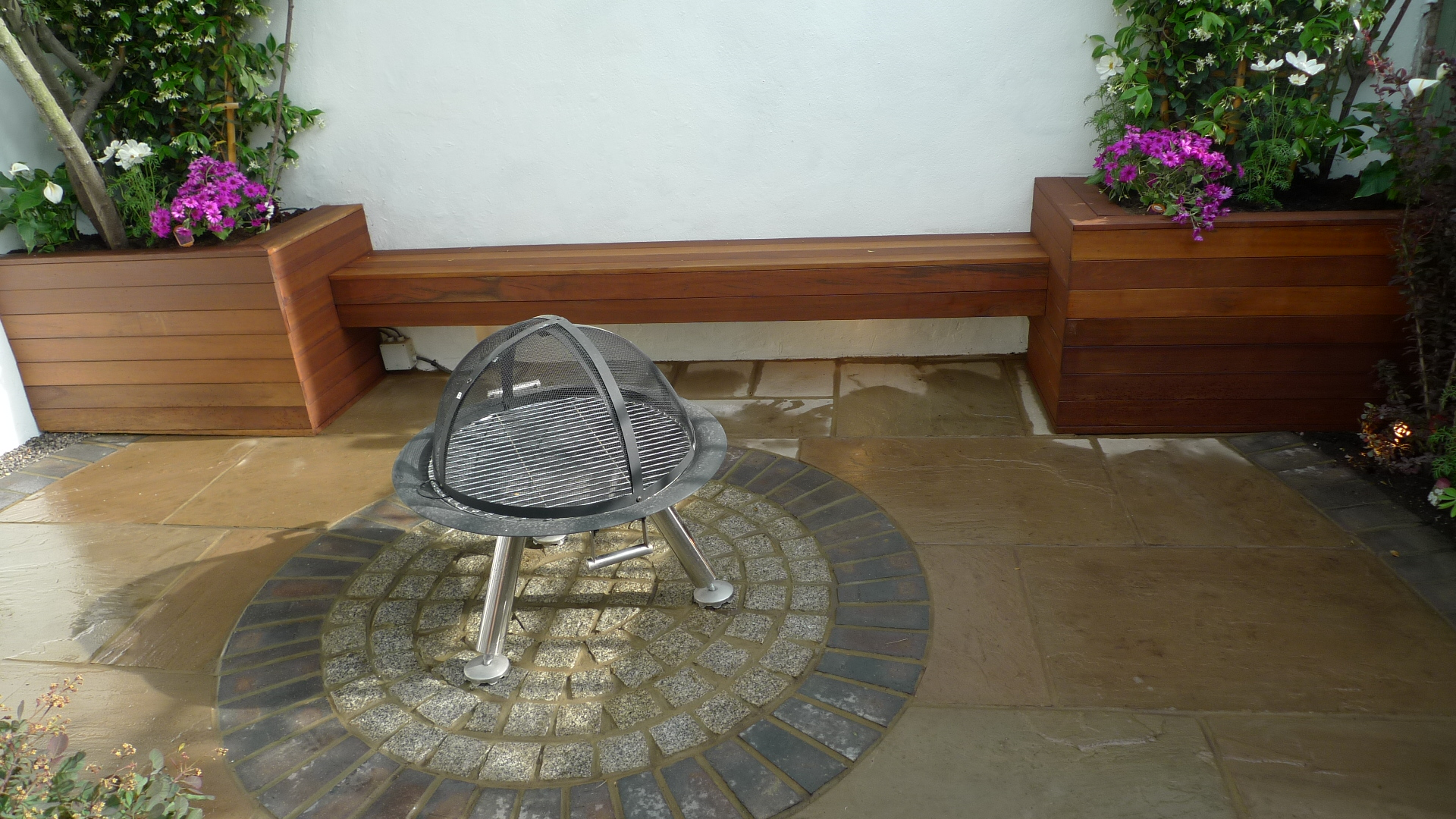 sandstone paving small garden design london
