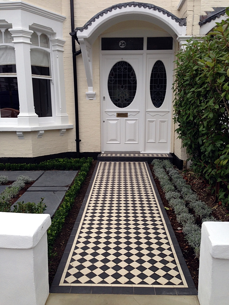 classoc 70 black and white victorian edwardain mosaic tile path