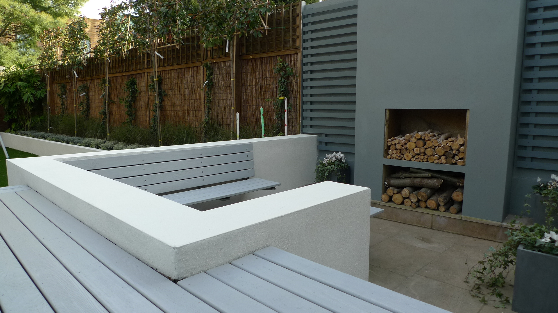More picture of modern garden design balham wandsworth for Low maintenance decking