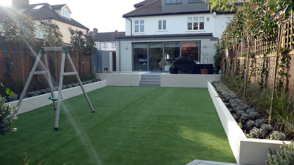 More picture of modern garden design balham wandsworth for Garden decking and grass ideas
