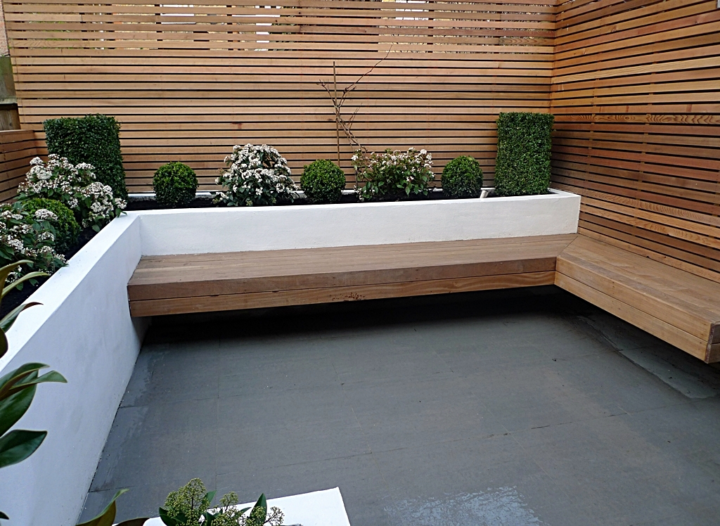 Ten modern garden designs london 2014 london garden blog for Garden decking designs uk