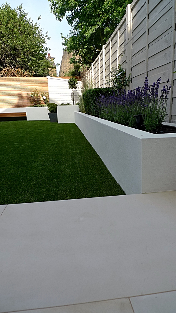 Modern london garden design london garden blog for Modern back garden designs