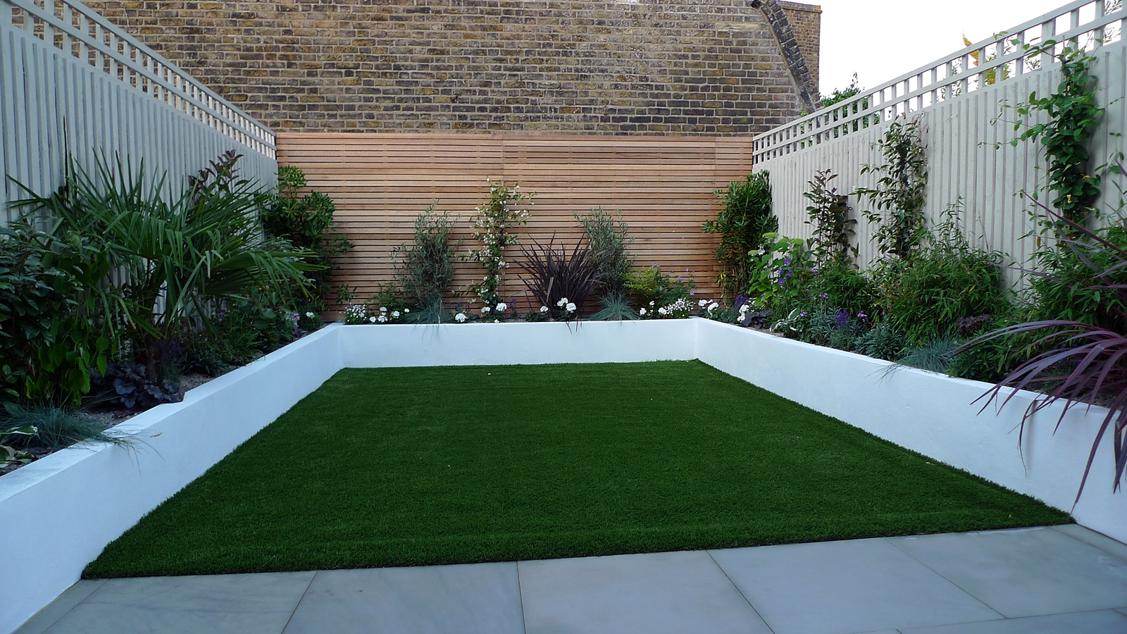 Sawn archives london garden blog for Small garden design pictures gallery