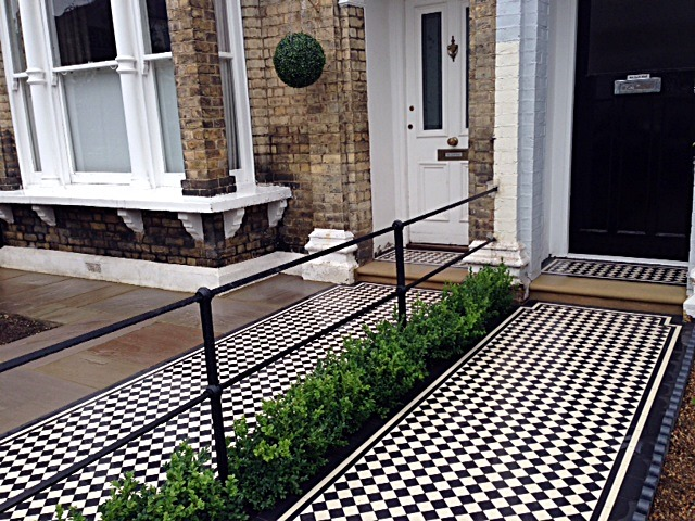 Victorian Mosaic tile Path York stone Bullnose Entrance Stone Wrought Iron Metal Rail & Gate Victorian Path Edge Border Tile Balham London (1)