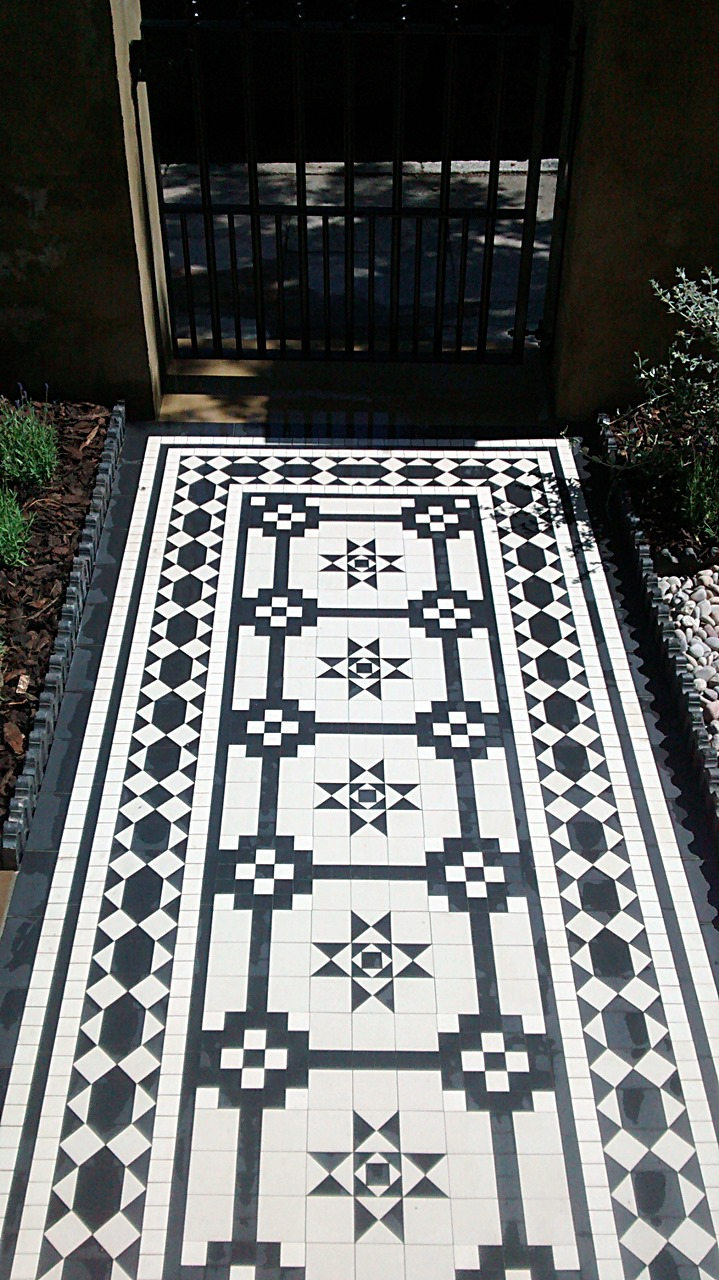 Victorian Black Amp White Mosaic Tile Path Imperial Yellow Brick Wall Metal Gate And Rail Sandstone Paving Islington London London Garden Blog