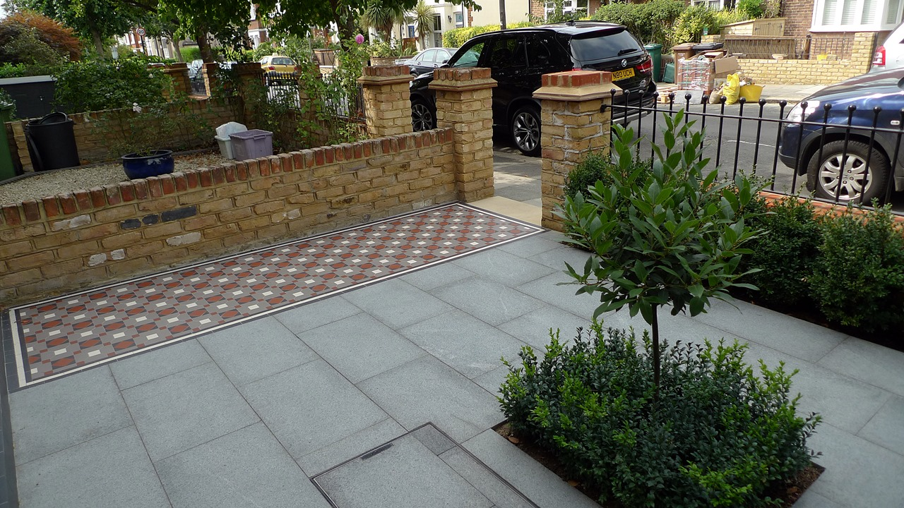 classic victorian front garden path wall and paving london