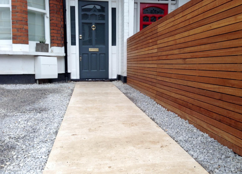 front garden drivewat gravel travertine paving path hardwood privacy screen trellis tooting london (10)