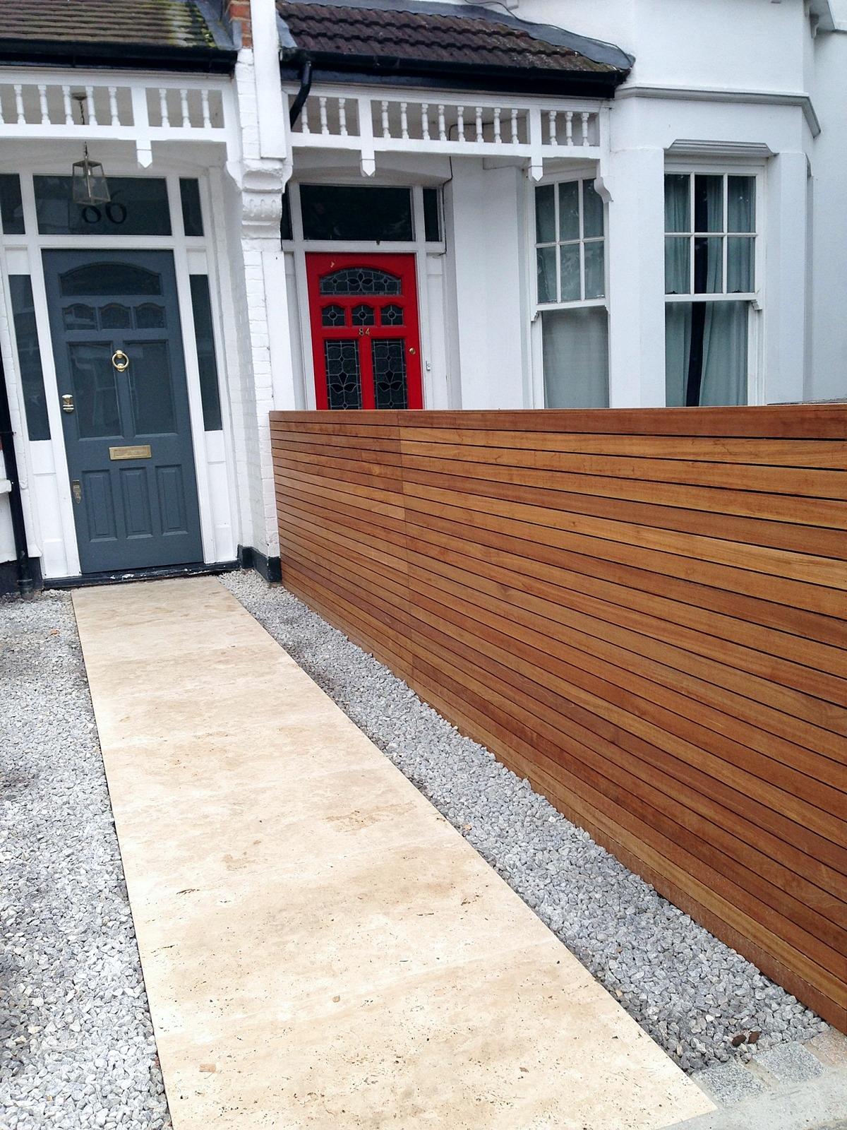 front garden drivewat gravel travertine paving path hardwood privacy screen trellis tooting london (19)
