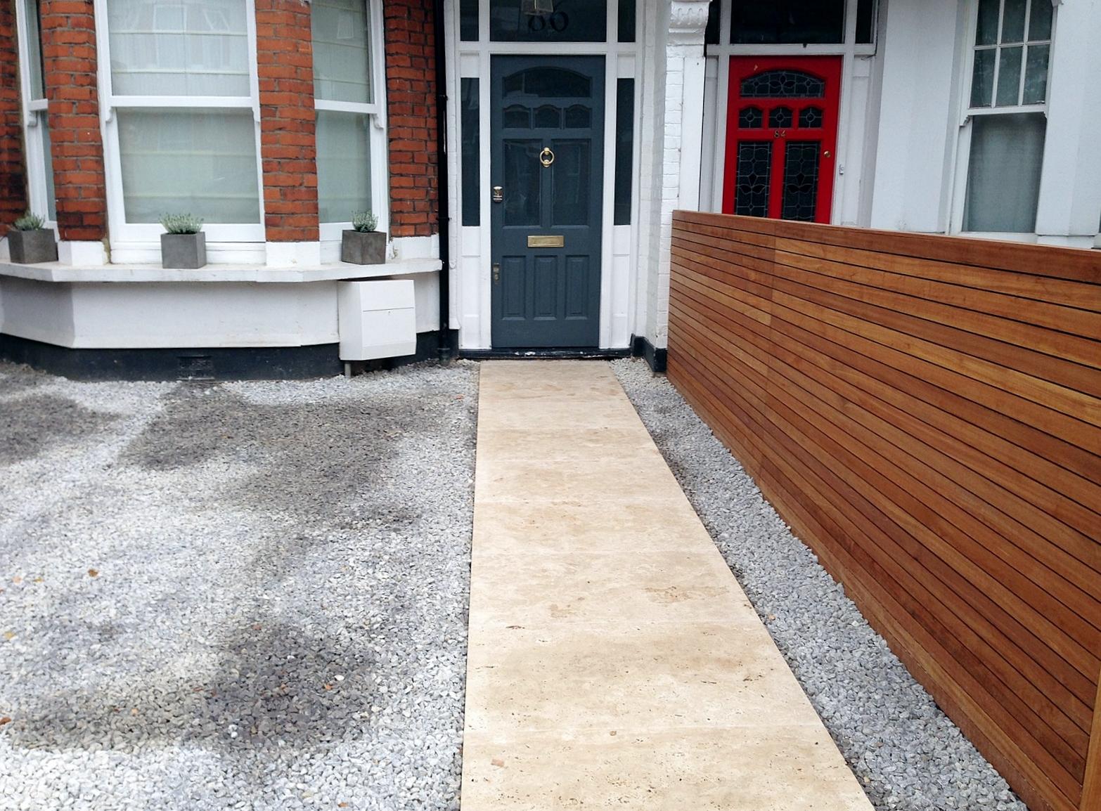 front garden drivewat gravel travertine paving path hardwood privacy screen trellis tooting london (20)