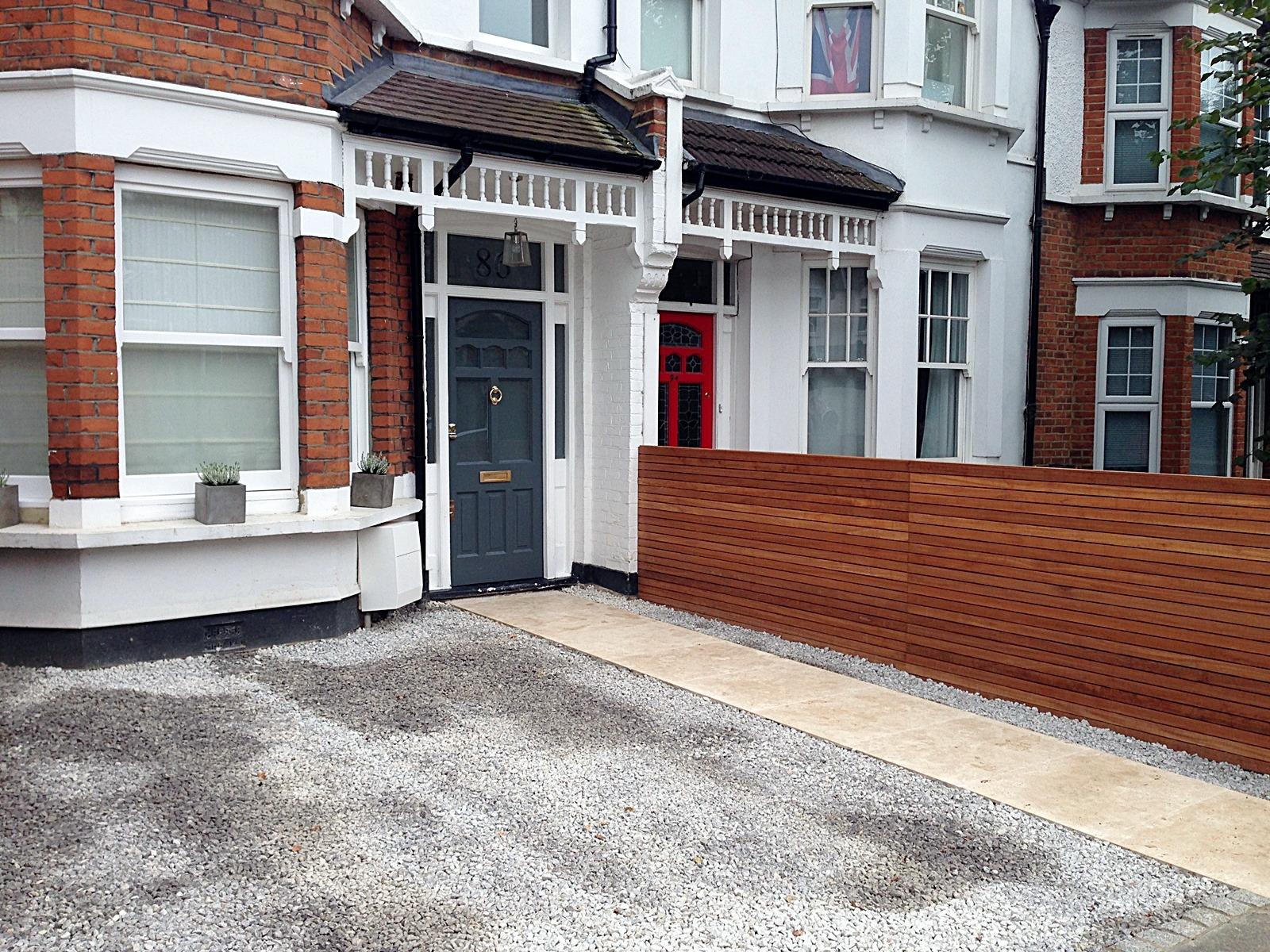 front garden drivewat gravel travertine paving path hardwood privacy screen trellis tooting london (21)