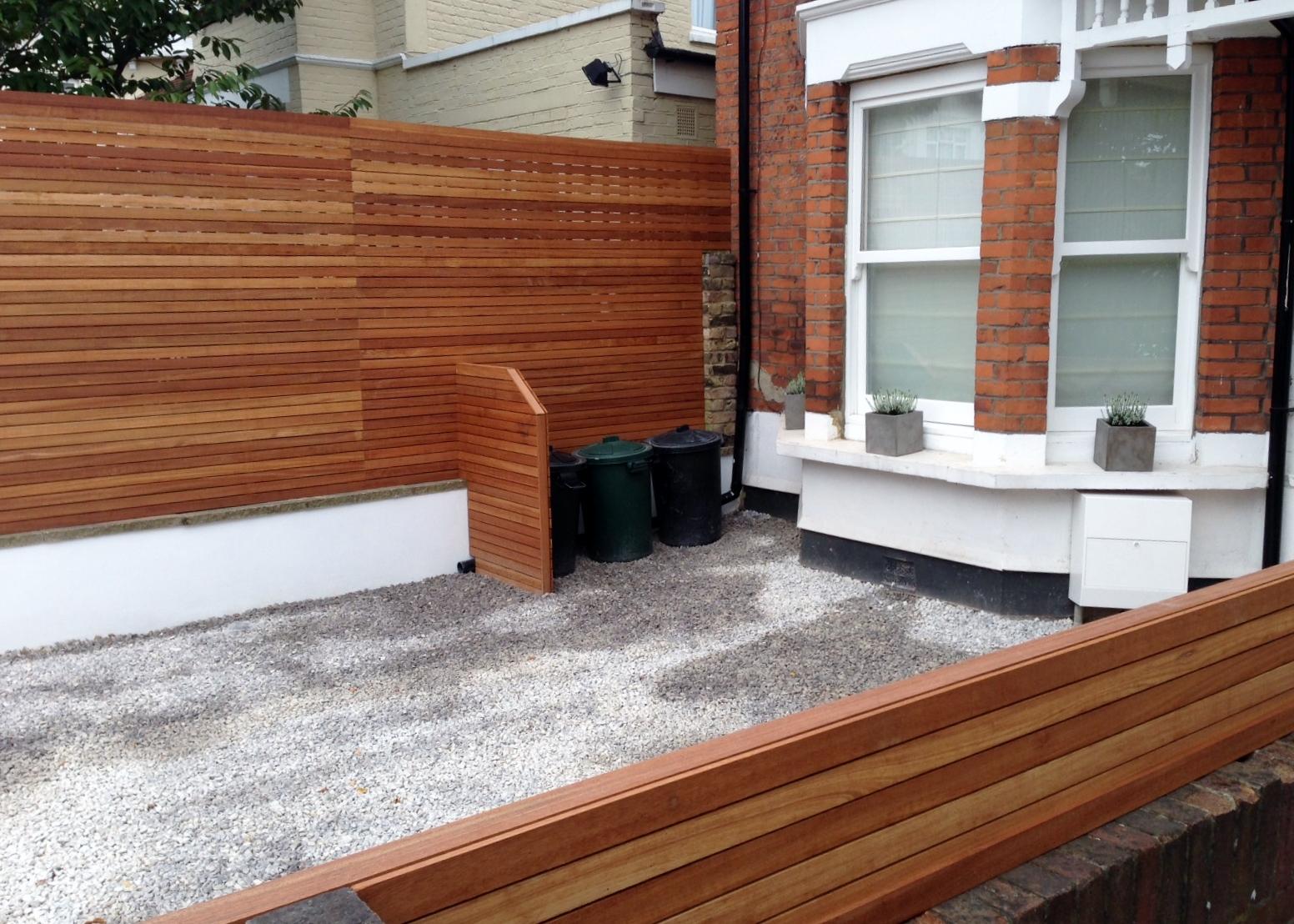 front garden drivewat gravel travertine paving path hardwood privacy screen trellis tooting london (25)