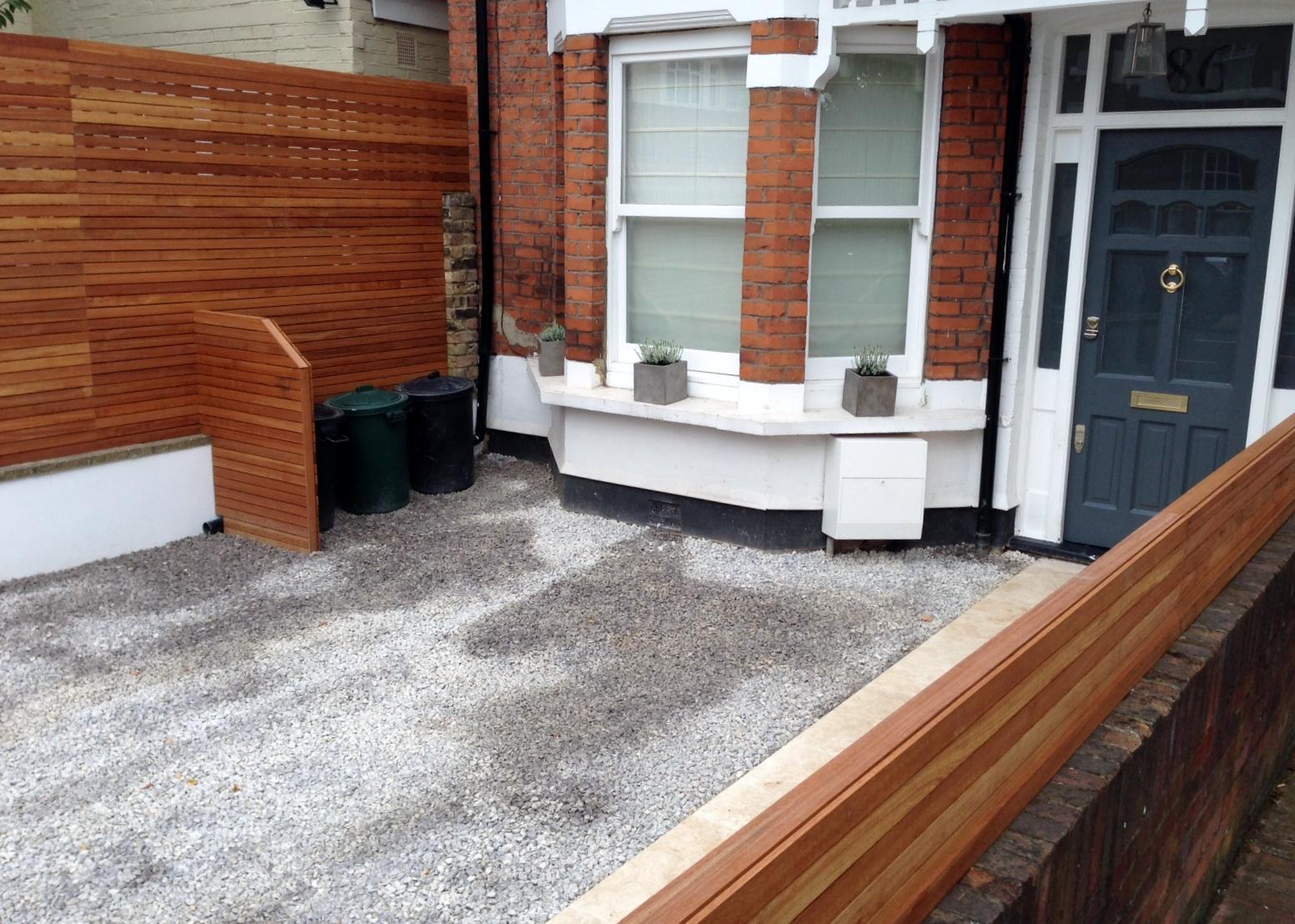 front garden drivewat gravel travertine paving path hardwood privacy screen trellis tooting london (26)