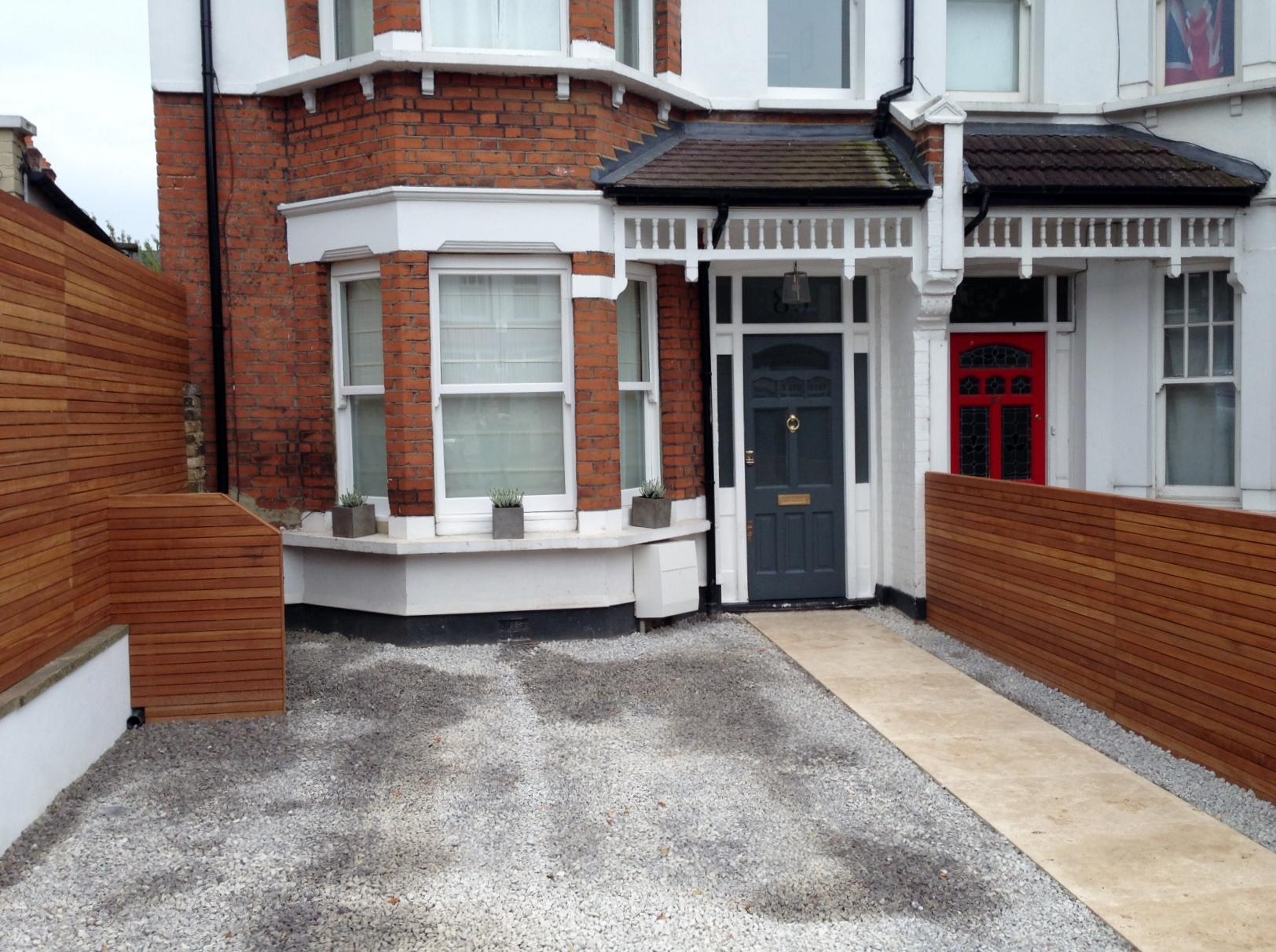 front garden drivewat gravel travertine paving path hardwood privacy screen trellis tooting london (4)