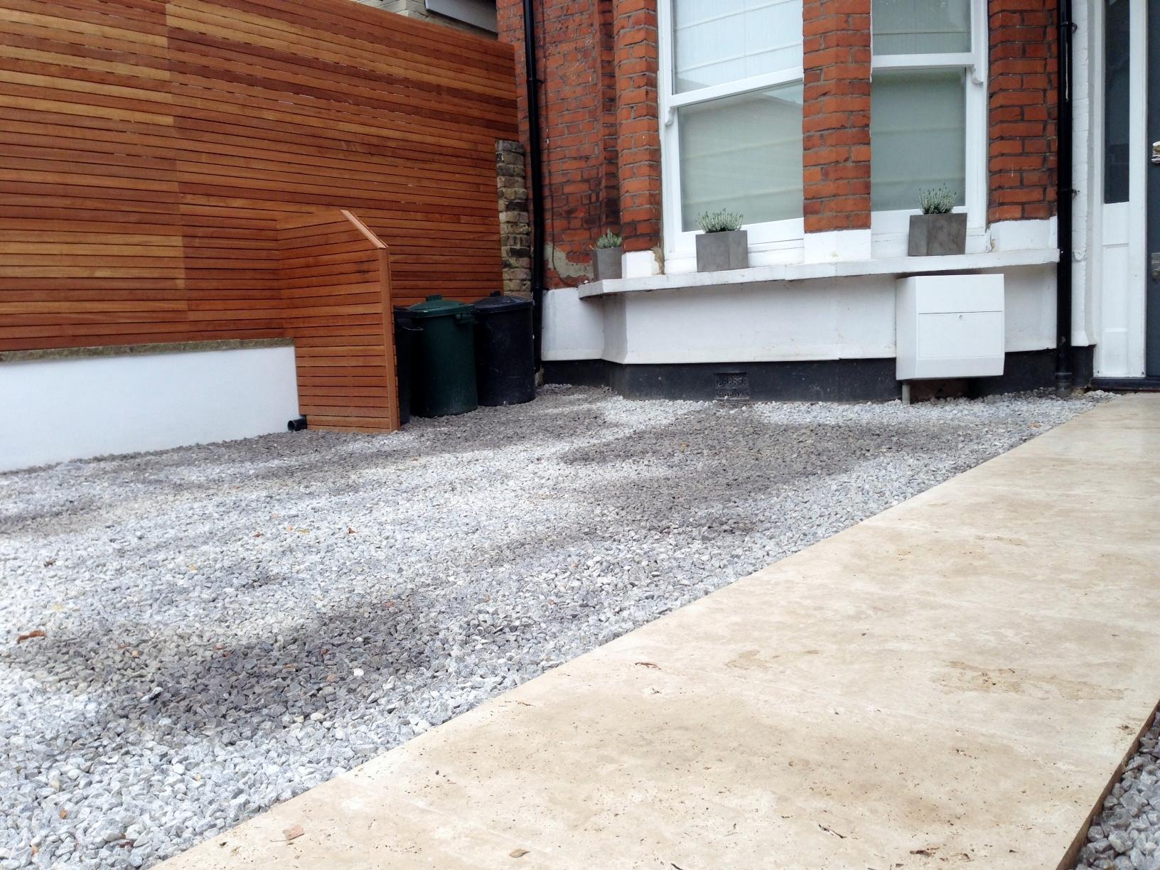 front garden drivewat gravel travertine paving path hardwood privacy screen trellis tooting london (7)