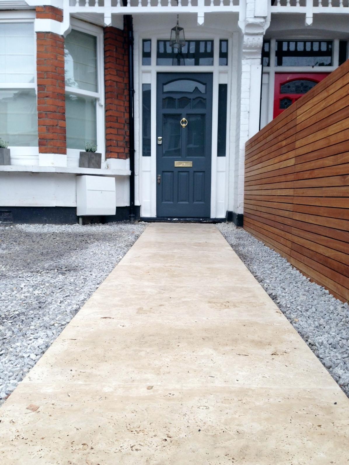 front garden drivewat gravel travertine paving path hardwood privacy screen trellis tooting london (9)