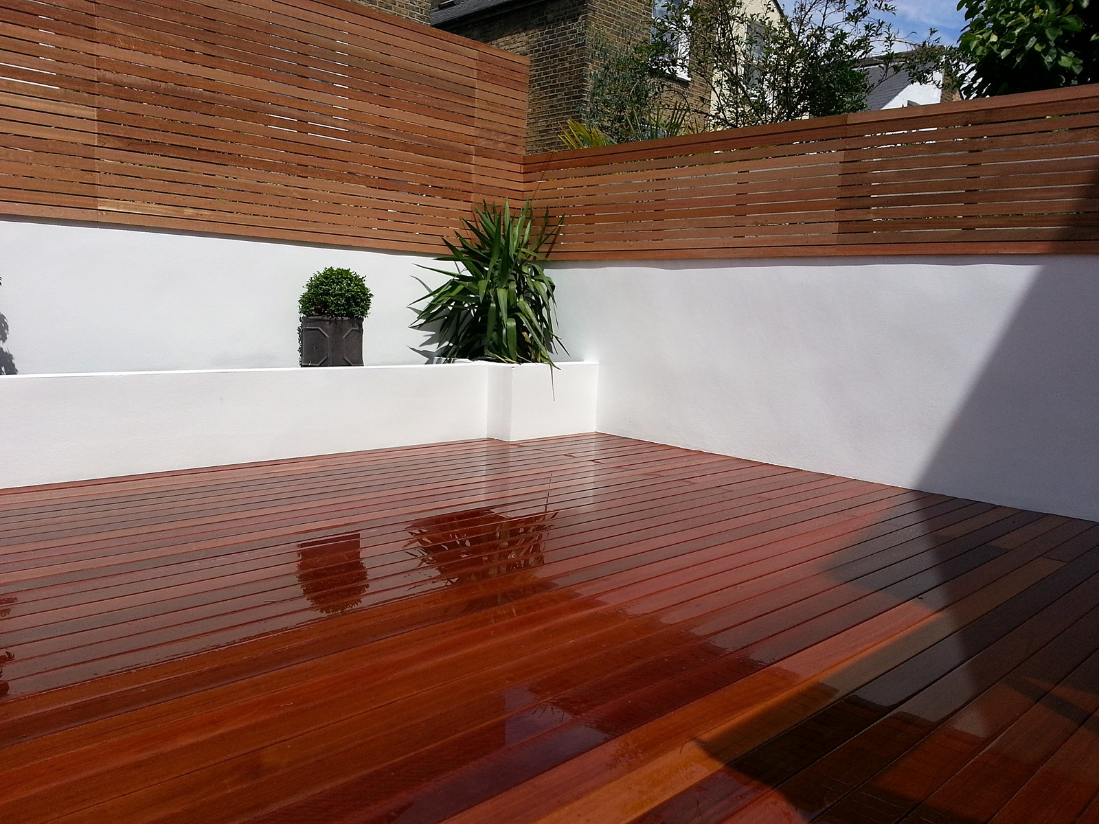 Walls archives london garden blog for Hardwood timber decking