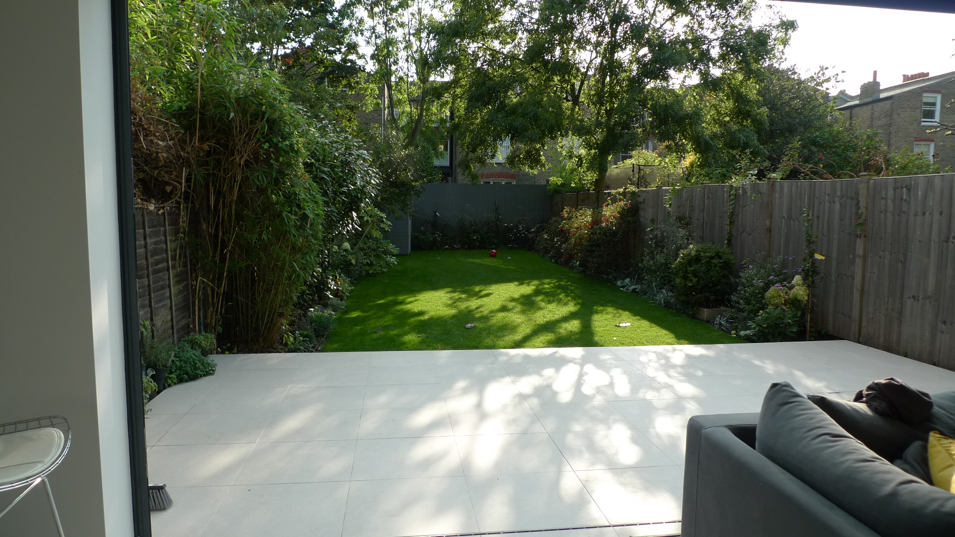 modern interior exterior garden lawn turf house design Weaver Balham Tooting London (3)