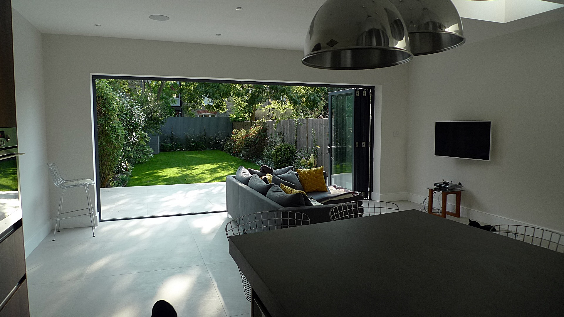 modern sleak design ideas interior exterior garden house design Weaver Balham Tooting London (7)
