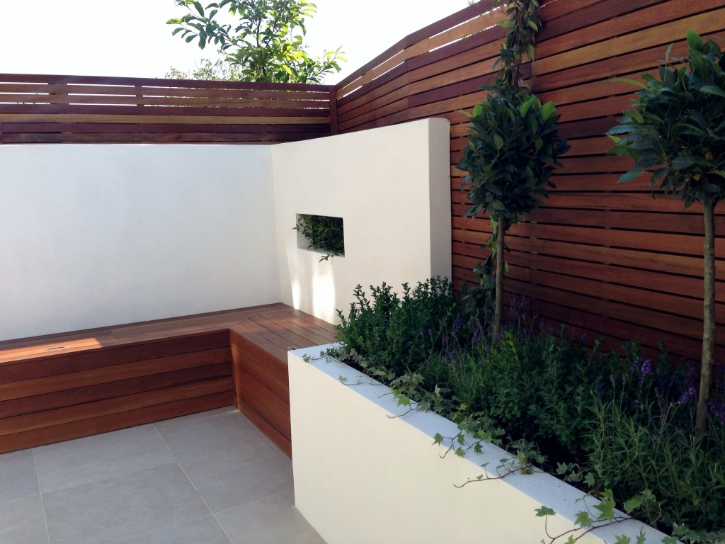 Small Modern Minimalist Low Maintenance Garden Dulwich London Block Wall Bench