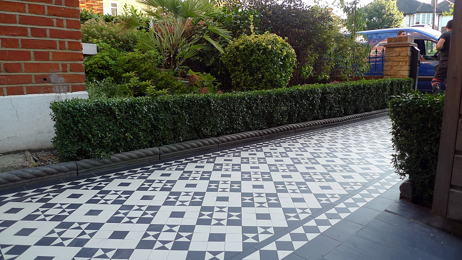 London Victorian Black And White Mosaic Tile Path