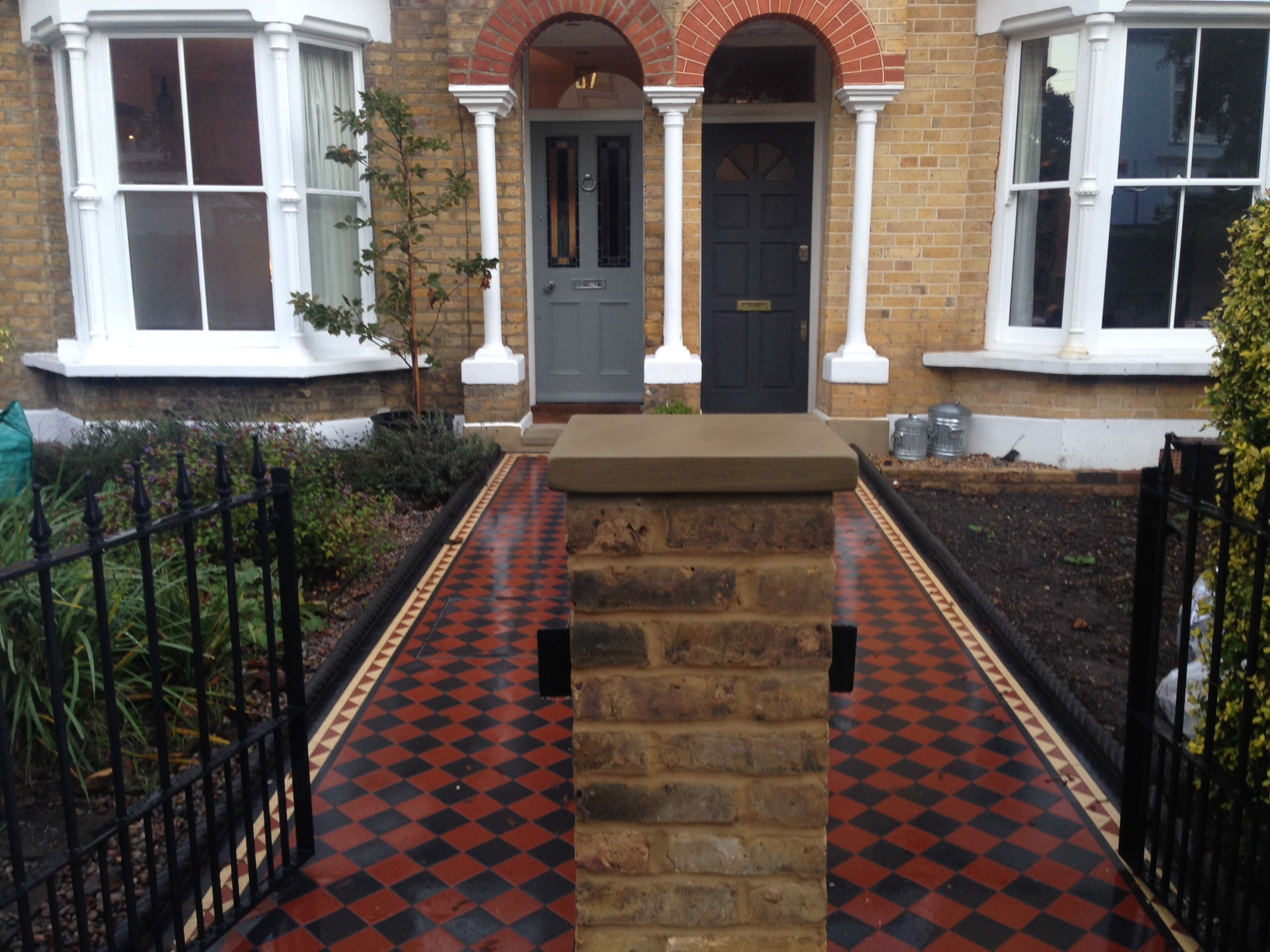 Brixton Herne Hill Victorian Mosaic Tile Path black and red tile with Yorkstone pier cap entrance stone and imperial yellow brick london stock wall (9)